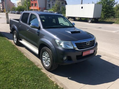 Toyota Hilux 3.0 D-4D Style+